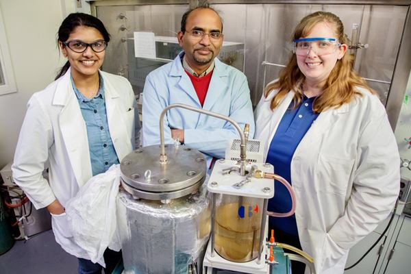 Scientists turn trash into crude energy