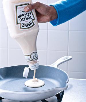 using ketchup bottle as pancake squirter
