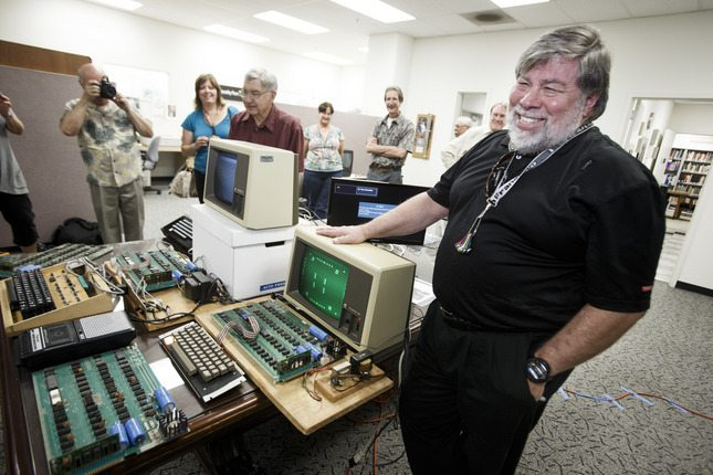 Global search for mysterious Apple I woman ropes in company co-founder Steve Wozniak